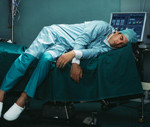 0821_TiredDoctors_190x127